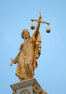 Justitia Skulptur (CC-by-nc-sa/3.0 by Luc Viatour)